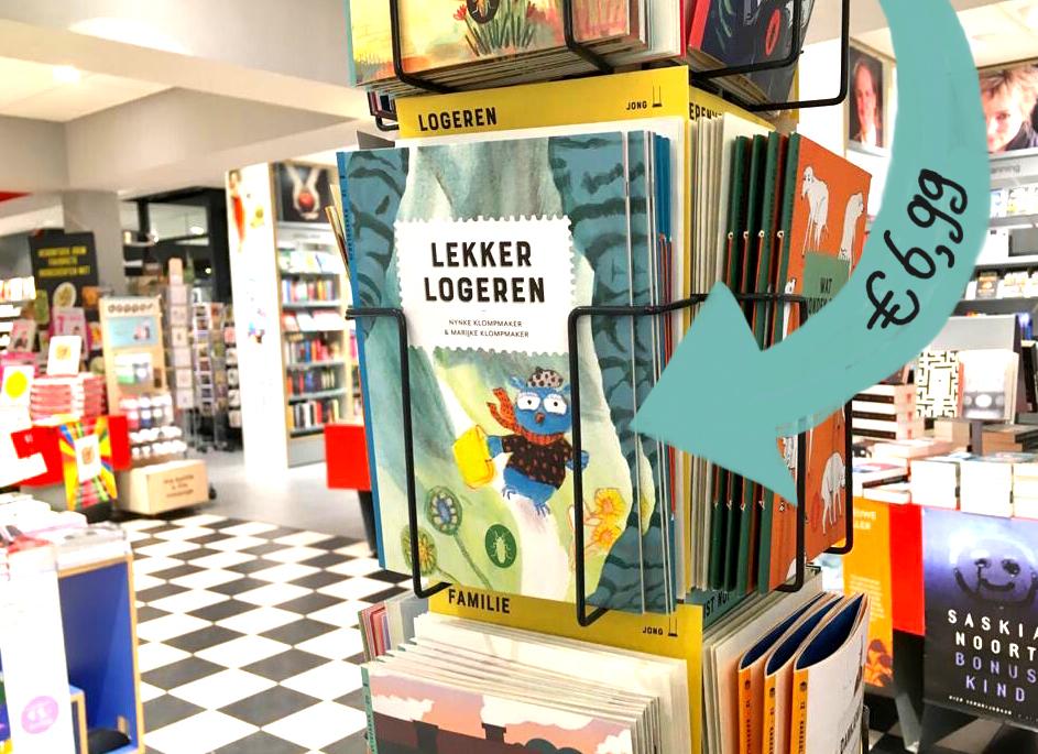 foto van boekje in boekwinkel
